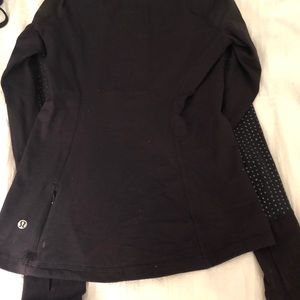 lululemon athletica Tops - Lululemon long sleeve warm, rulu top! Size 4!